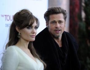The Tourist Premiere - Angelina Jolie Brad Pitt 5