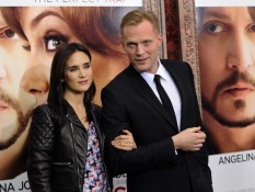 The Tourist Premiere - Jennifer Connelly Paul Bettany 4