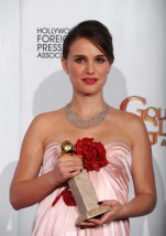 68th+Annual+Golden+Globe+Awards+Press+Room+IrJDU88CyWKl