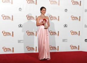 68th+Annual+Golden+Globe+Awards+Press+Room+xE80aj3C6fjl