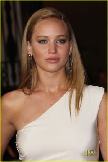 jennifer-lawrence-2011-directors-guild-awards-01