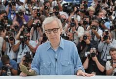 Woody+Allen+Midnight+Paris+Photocall+64th+UFRWr2bWyYll