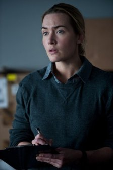 kate-winslet-contagion-image-4-399x600