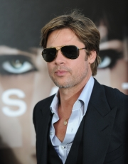 Brad-Pitt-premiere-Salt