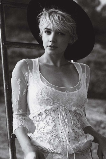 carey-mulligan-by-peter-lindbergh-for-vogue-us-october-2010-the-talented-miss-mulligan-03
