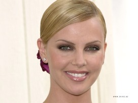 Charlize-Theron 2