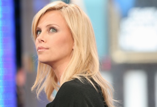 Charlize_Theron_charlize-theron-mtvs-total-request-live-03