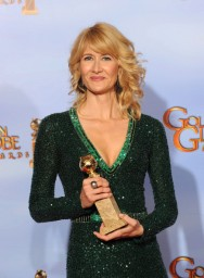 69th+Annual+Golden+Globe+Awards+Press+Room+kZFUm5Q51Hnl