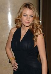 Blake-Lively-at-the-Fashion-Groups-25th-annual-Night-of-Stars-Oct-2008-01