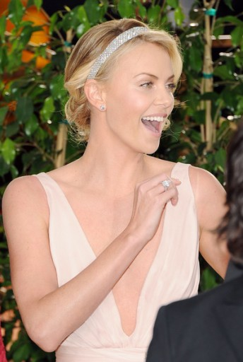 Charlize+Theron+69th+Annual+Golden+Globe+Awards+JfGA3inKxE_l