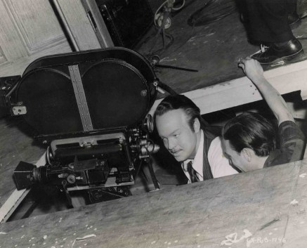 Orson-Welles-en-el-set-de-Ciudadano-Kane