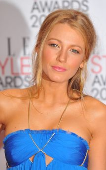 www-bruce-juice-com_20008-blake-lively-2011-elle-style-awards-in-londo