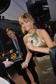 jennifer-lawrence-liam-hemsworth-josh-hutcherson-the-hunger-games-londra13