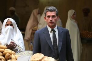 jacques-gamblin-in-un-mercato-di-algeri-in-una-scena-de-il-primo-uomo-235726