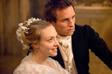 les-miserables-movie-image-amanda-seyfried-eddie-redmayne