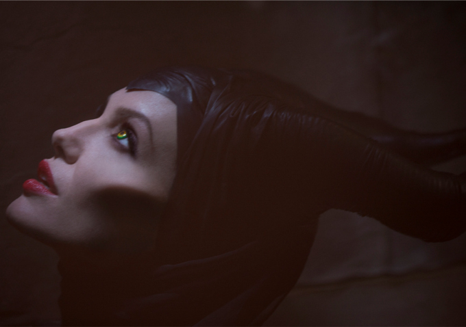 first-look-at-angelina-jolie-in-character-in-disney-maleficent_jpg