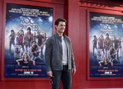 Premiere+Warner+Bros+Pictures+Rock+Ages+Red+3UJV1mH38hMl
