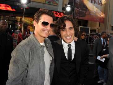 Premiere+Warner+Bros+Pictures+Rock+Ages+Red+T0iK7EaCUhGl