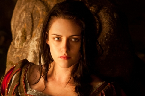 Snow-White-and-the-Huntsman-02