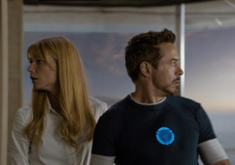 robertdowneyjr-gwynethpaltrow-Iron-Man-3-1987407