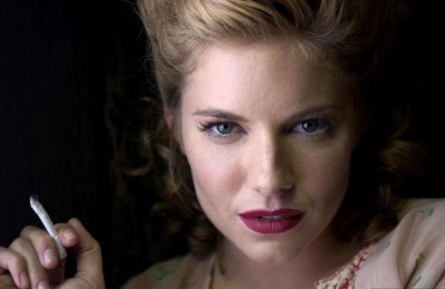 The-Edge-of-Love-Keira-Knightley-Sienna-Miller-Matthew-Rhys-09