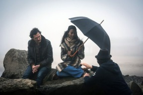 billy-crudup_zoe-saldana-blood-ties-set-05