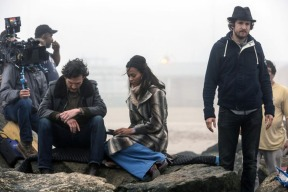 billy-crudup_zoe-saldana-blood-ties-set-guillaume-canet-02