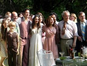 blood-ties-set-clive-owen-mila-kunis-matrimonio