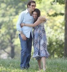 clive-owen-mila-kunis--blood-ties-02