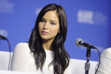 Jennifer-Lawrence-Silver-Linings-Playbook-photocall-and-press-conference-during-TIFF-02