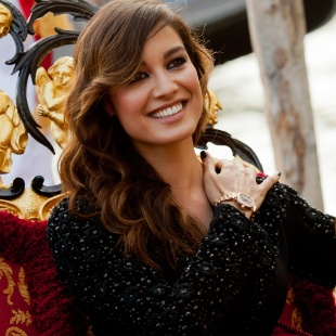 skyfall_actress_berenice_marlohe-2048x2048