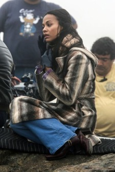 zoe-saldana-blood-ties-set-03
