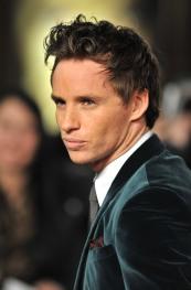 Eddie-Redmayne-Velour-Suit-World-Premiere-Les-Miserables-London-England-12052012-6