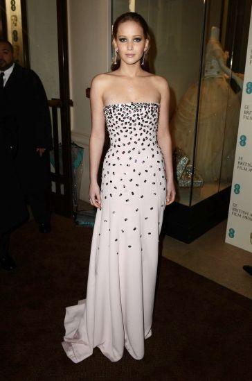 Jennifer-Lawrence-in-Dior-at-BAFTAs-2013