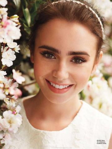 Actress-Lily-Collins-random-35860703-900-1200