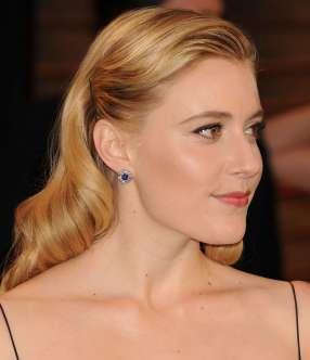 Greta-Gerwig--Oscar-2014---Vanity-Fair-Party--09