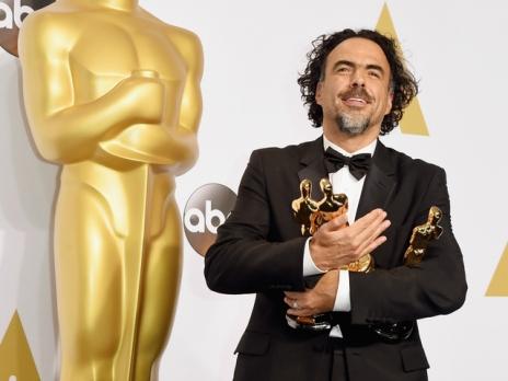 'Birdman' director Alejandro Gonzalez Inarritu holds the three Oscars he won_1424673647740_13720430_ver1.0_640_480