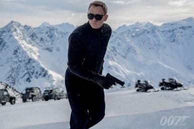 Spectre-James-Bond-700x467