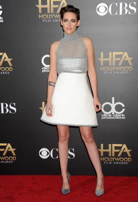 Kristen-Stewart-Holloywood-film-awards