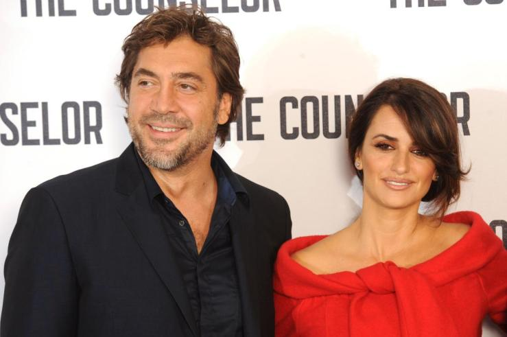 LONDON, ENGLAND - OCTOBER 05:  Javier Bardem and Penelope Cruz attend a photocall for 'The Counselor' at The Dorchester on October 5, 2013 in London, England.  (Photo by Dave J Hogan/Getty Images)