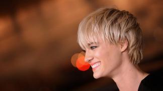 Mackenzie-Davis-Smiling-Photos