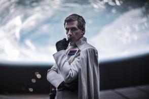 Rogue One: A Star Wars Story..Director Krennic (Ben Mendelsohn)..Ph: Jonathan Olley..©Lucasfilm LFL 2016.