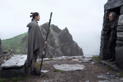 Star Wars: The Last Jedi..L to R: Rey (Daisy Ridley) and Luke Skywalker (Mark Hamill)..Photo: Jonathan Olley..©2017 Lucasfilm Ltd. All Rights Reserved.