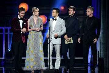 SANTA MONICA, CA - JANUARY 13: (L-R) Joseph Mazzello, Lucy Boynton, Rami Malek, Allen Leech, and Ben Hardy speak onstage during the 24th annual Critics' Choice Awards at Barker Hangar on January 13, 2019 in Santa Monica, California. (Photo by Kevin Winter/Getty Images for The Critics' Choice Awards)