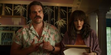 stranger-things-3-david-harbour-winona-ryder-600x300