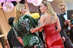 Laura Dern Scarlett Johansson