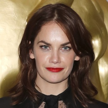 ruth-wilson-attends-the-ee-british-academy-film-awards-bafta-gala-dinner-held-at-grosvenor-house-on-february-18-2018-in-london-england-photo-by-david-m-benett_dave-benett_getty-images-square